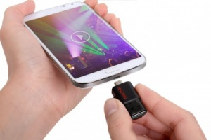 An OTG USB drive to save data from your phone