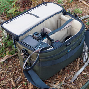 Review of the Vanguard VEO Select 35 Shoulder / Messenger Camera Bag