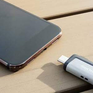 Flash drives for smartphones